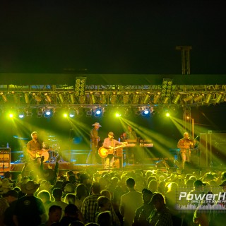 Concert in the dirt {Rapid City Entertainment Photography}